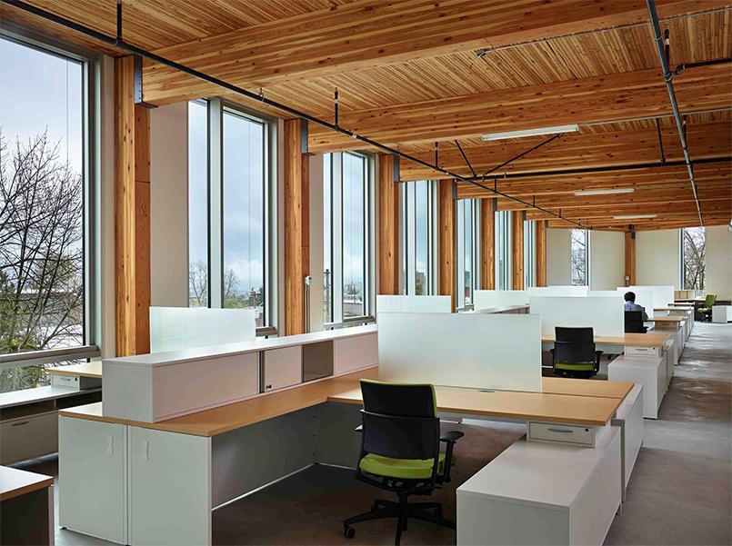 Illuminazione naturale normativa e protocolli officine green